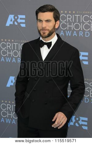LOS ANGELES - JAN 17:  Wes Bentley at the 21st Annual Critics Choice Awards at the Barker Hanger on January 17, 2016 in Santa Monica, CA
