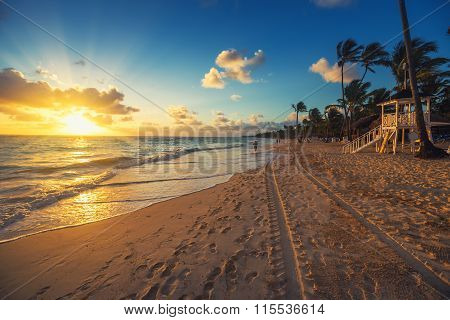 Carribean Vacation, Beautiful Sunrise Over Tropical Beach