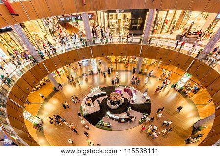 Dubai - AUGUST 7, 2014: Dubal Mall shopping mall