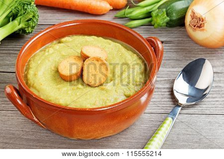 vegetable mash with croutons