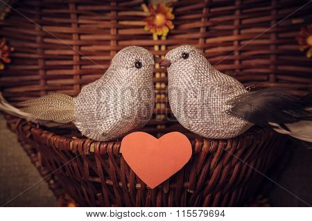 Two little bird the lovers, heart.