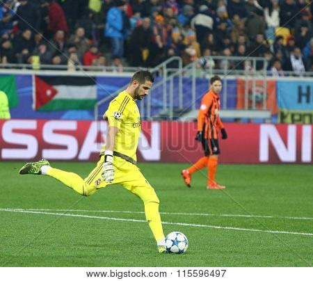 Goalkeeper Kiko Casilla Of Real Madrid