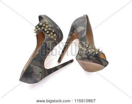 Camouflage high-heeled shoes with spikes.