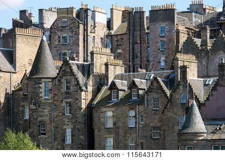 Buildings in downtown Edinburgh