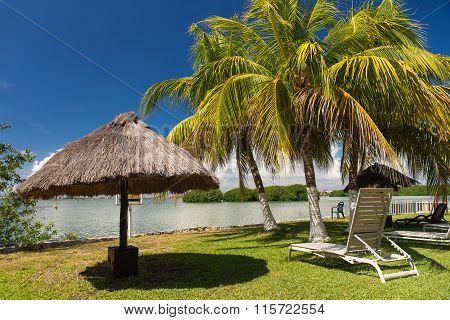 Vacation On Tropical Lake Nichupte Lagoon