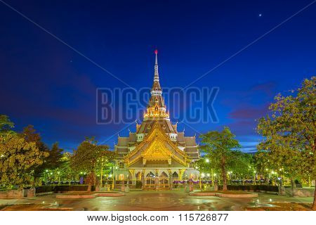 Wat Sothorn Temple In Night