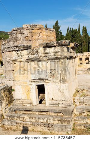 Old Construction Column     Roman Temple    In Asia Turkey