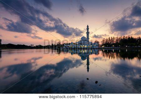 Colourful Sunset View Of Tuanku Zanariah Masjid (mosque) In Kuala Terengganu, Terengganu