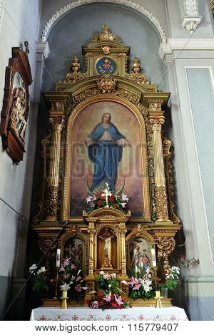 ZAGREB, CROATIA - MAY 28: Virgin Mary altar in the Basilica of the Sacred Heart of Jesus in Zagreb, Croatia on May 28, 2015
