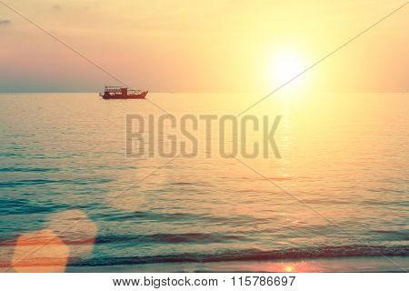 A beautiful sunset in the Bay of the Gulf of Thailand.