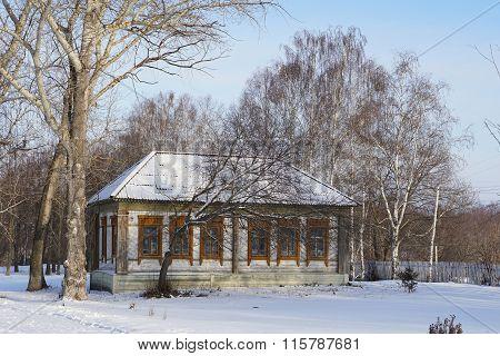 The House In Russian Village Nizhne Ablyazovo In Winter In Penza Region