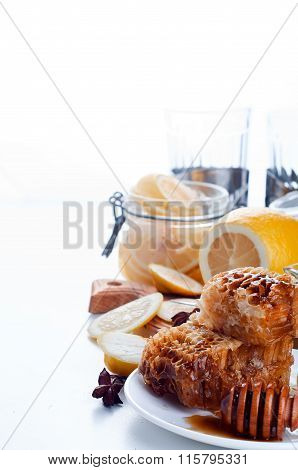 Sweet Honeycombs With Lemon