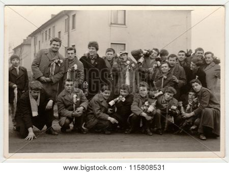 A vintage photo shows conscripts (recruiters), circa 1965.
