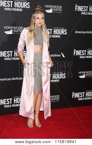 LOS ANGELES - JAN 25:  Veronica Dunne at the The Finest Hours World Premiere at the TCL Chinese Theater IMAX on January 25, 2016 in Los Angeles, CA