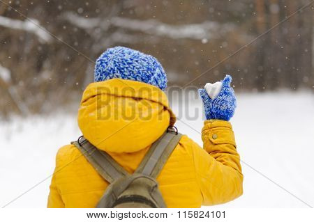 Beautiful Girl Travelling In Winter With An Icy Heart.