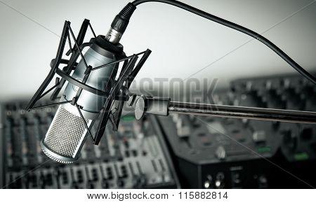 Radio.