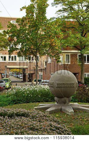 Monument In De Hortus