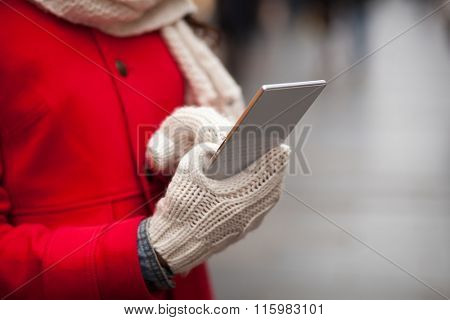 Cold Weather Drains Your Cell Phone