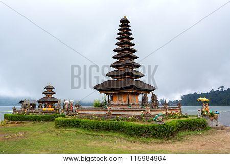 Pura Ulun Danu Water Temple Bali
