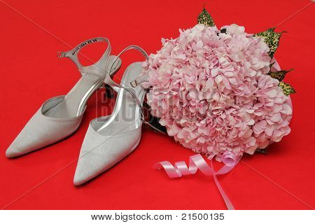 Beautiful wedding shoes and flower