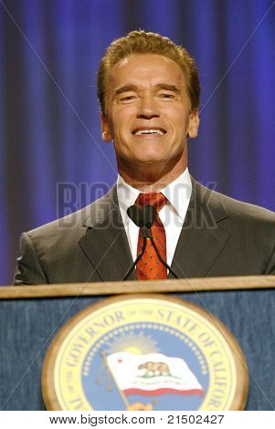 LONG BEACH - DEC 7: Arnold Schwarzenegger at the California Governor's Conference on Women and Families at the Convention Center on December 7, 2004 in Long Beach, California