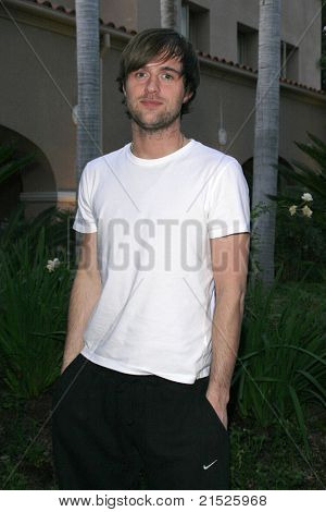 PASADENA - JAN 9: Jonas Armstrong arrives at the Television Critics Association press tour at the Ritz Carlton Hotel in Pasadena, California on January 9, 2007