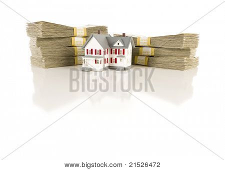 Pilhas de notas de cem dólares com pequena casa pequena superfície reflexiva.