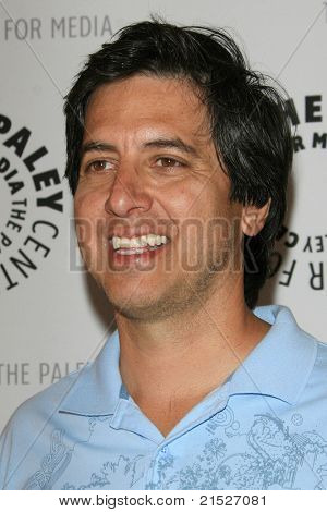 THOUSAND OAKS - JUN 11: Ray Romano at the Paley Center for Media Fifth Annual Celebrity Golf Classic held at the exclusive Sherwood Country Club in Thousand Oaks, California on June 11, 2007