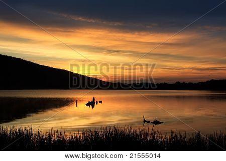 Amanecer en el lago de la langosta