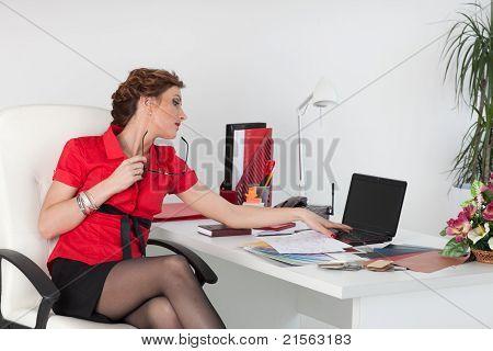Female Designer Of Interior...