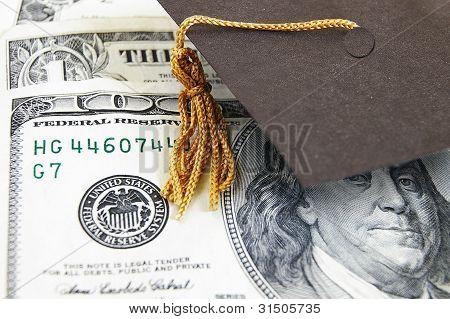 tampão da graduação em dinheiro