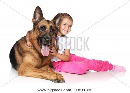 Junge Mädchen und Hund