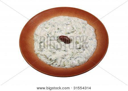 Tzatziki auf einem Teller