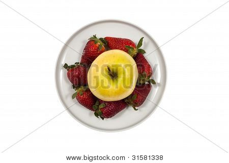 Apple and strawberries on a platter