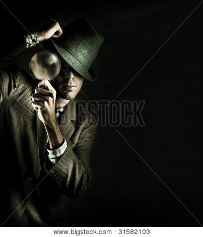 Sicherheit Detective with Magnifying glass