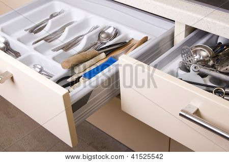 Organized Kitchen Drawer