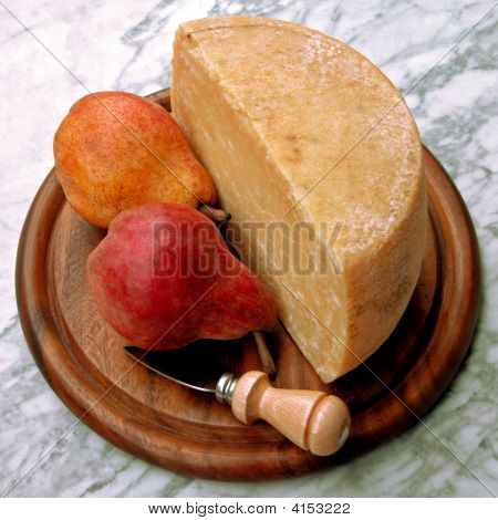 Italian Cheese And Pears Platter