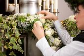 foto of urn funeral  - death and dolor   - JPG