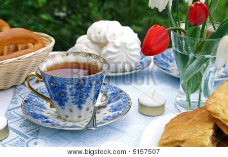 Summer Afternoon Tea-table