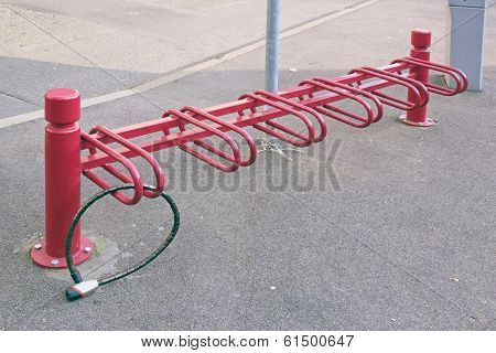 Parking for cycles, zone of collision of cycles, protection anti-theft device