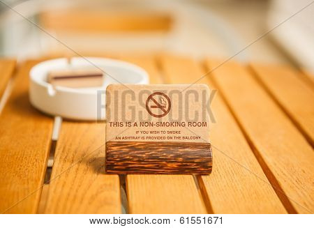 A Non-smoking Room sign