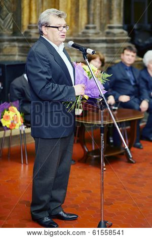 MOSCOW, RUSSIA - NOV 18, 2013: Alexander Belyaev (Deputy Director of the Institute of Geography, TV presenter) at ceremony on Gold Medal of Lev Nikolayev in Pushkin Museum.
