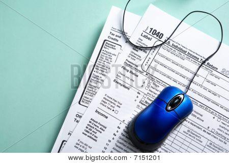 Concepto de forma de impuesto en línea