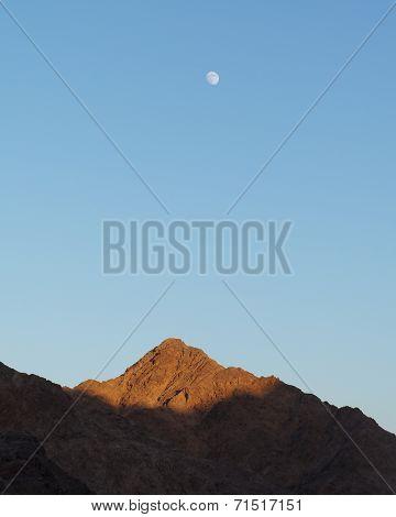 Evening sky upon mountains