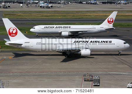 Japan Airlines Boeing 767-300 At Tokyo Haneda Airport