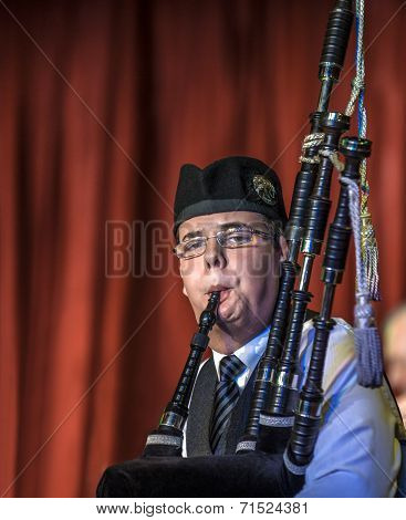 Scottish Musicien Bagpiper1