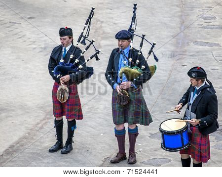Scottish Musicien Bagpiper6