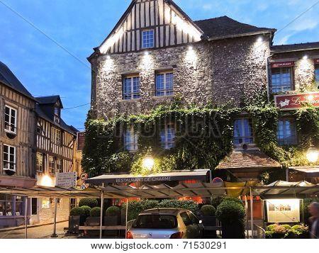Edifice Les Maisons De Lea In Honfleur, France