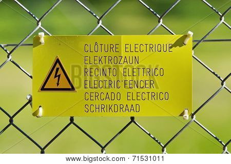 Electric fence sign
