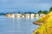 picture of houseboats  - A group of houseboats on the Columbia River in Portland Oregon - JPG